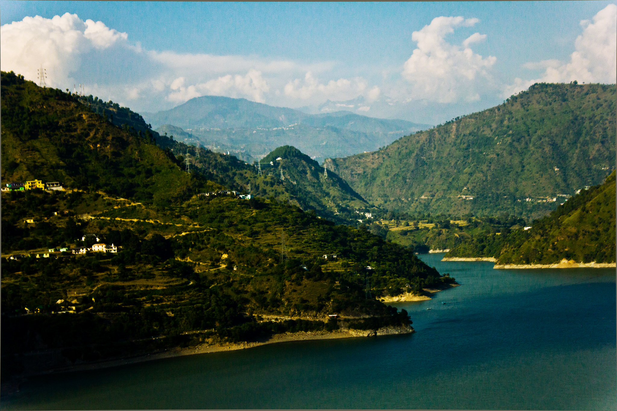 Dalhousie sightseeing : Chamera Lake