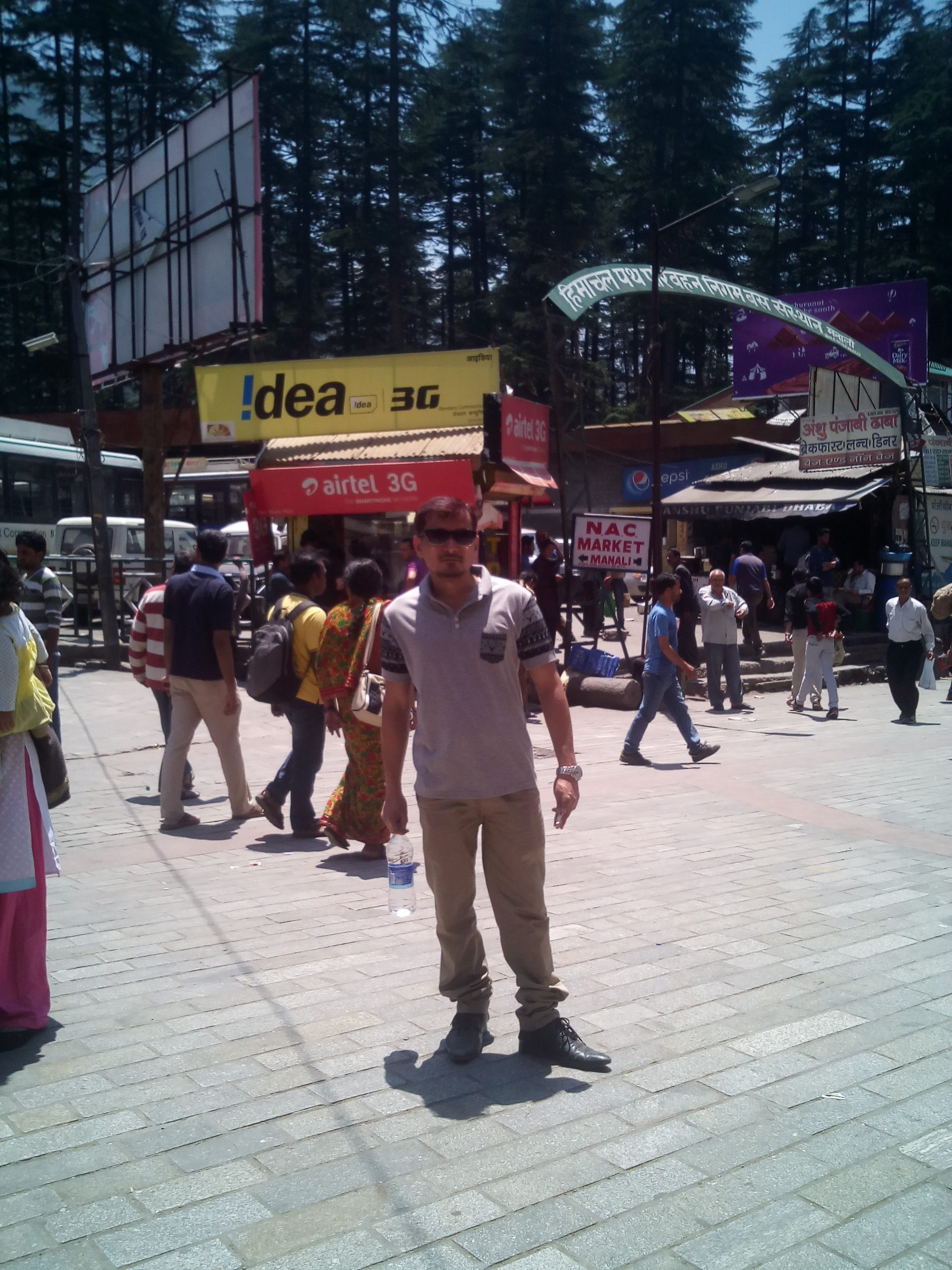 places to visit in manali mall road