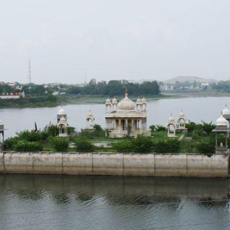 Vijay Rajrajeshwar temple