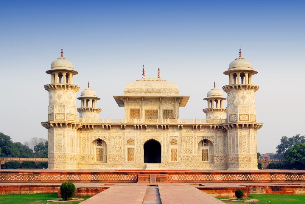 Places to visit in Agra